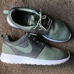 Men's Nike Roshe Run